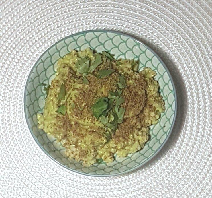 Insalata di zucchine crude e avocado